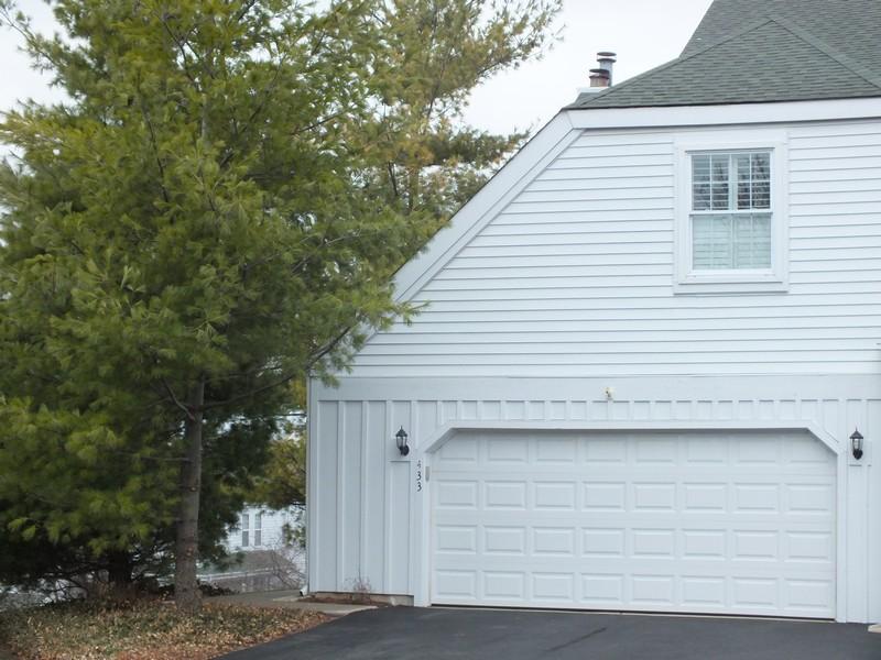 Real Estate Photography - 433 Edgewater Lane, Wauconda, IL, 60084 -