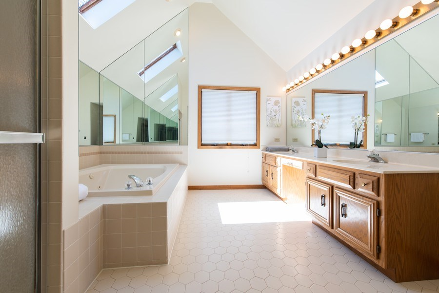 Real Estate Photography - 10513 Royal Porthcawl Drive, Naperville, IL, 60564 - Master Bathroom