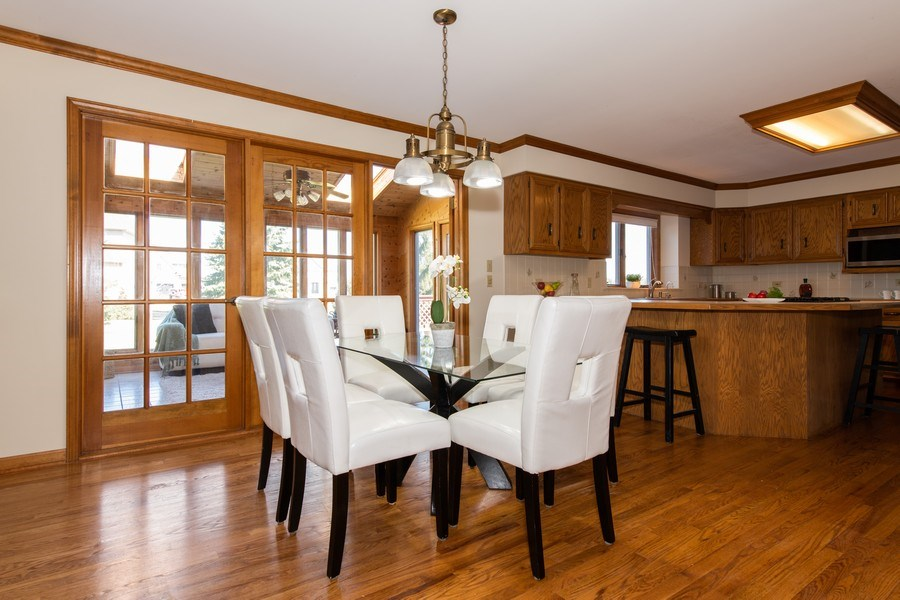 Real Estate Photography - 10513 Royal Porthcawl Drive, Naperville, IL, 60564 - Breakfast Area