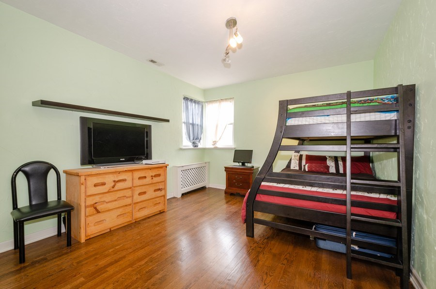 Real Estate Photography - 2637 W. Fitch Avenue, Unit 3E, Chicago, IL, 60645 - 2nd Bedroom