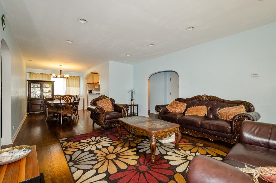 Real Estate Photography - 2637 W. Fitch Avenue, Unit 3E, Chicago, IL, 60645 - Living Room / Dining Room
