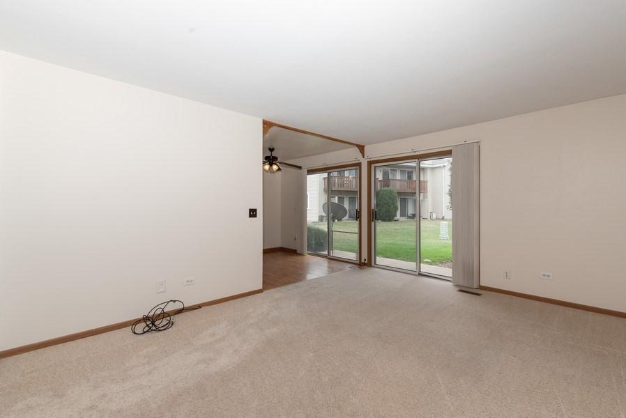 Real Estate Photography - 633 MALLARD Court, Unit C1, Bartlett, IL, 60103 - Living Room