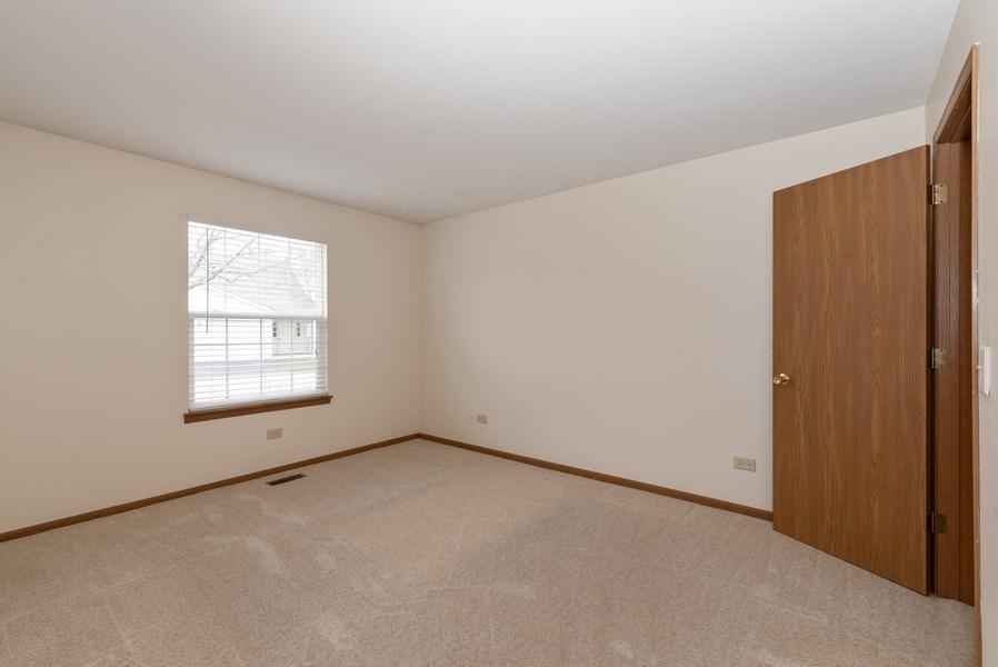 Real Estate Photography - 633 MALLARD Court, Unit C1, Bartlett, IL, 60103 - Master Bedroom