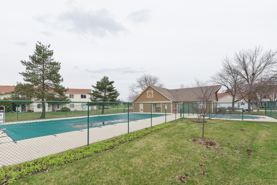 Real Estate Photography - 633 MALLARD Court, Unit C1, Bartlett, IL, 60103 -