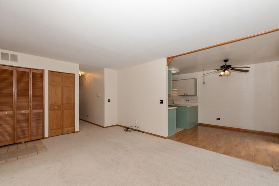 Real Estate Photography - 633 MALLARD Court, Unit C1, Bartlett, IL, 60103 - Living Room / Dining Room