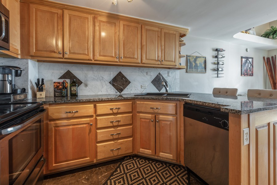 Real Estate Photography - 1221 N. DEARBORN Street, Unit PH12N, Chicago, IL, 60610 - Kitchen