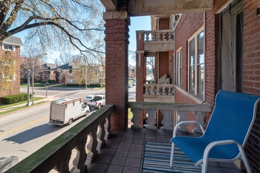 Real Estate Photography - 807 Washington Boulevard, Unit 2, Oak Park, IL, 60302 - Balcony