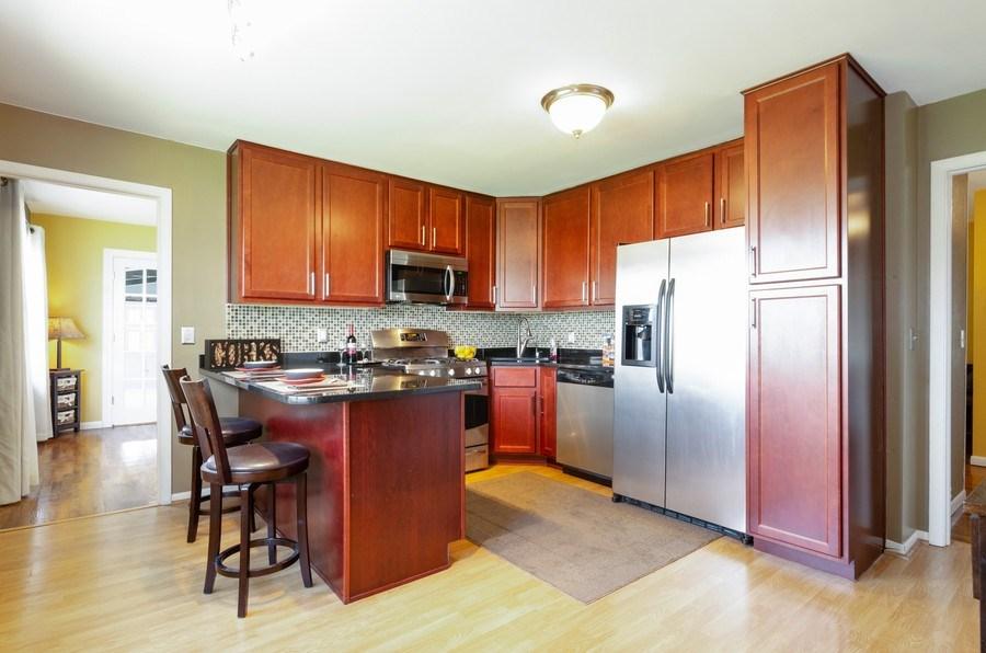 Real Estate Photography - 826 Hemlock Drive, Sleepy Hollow, IL, 60118 - Kitchen