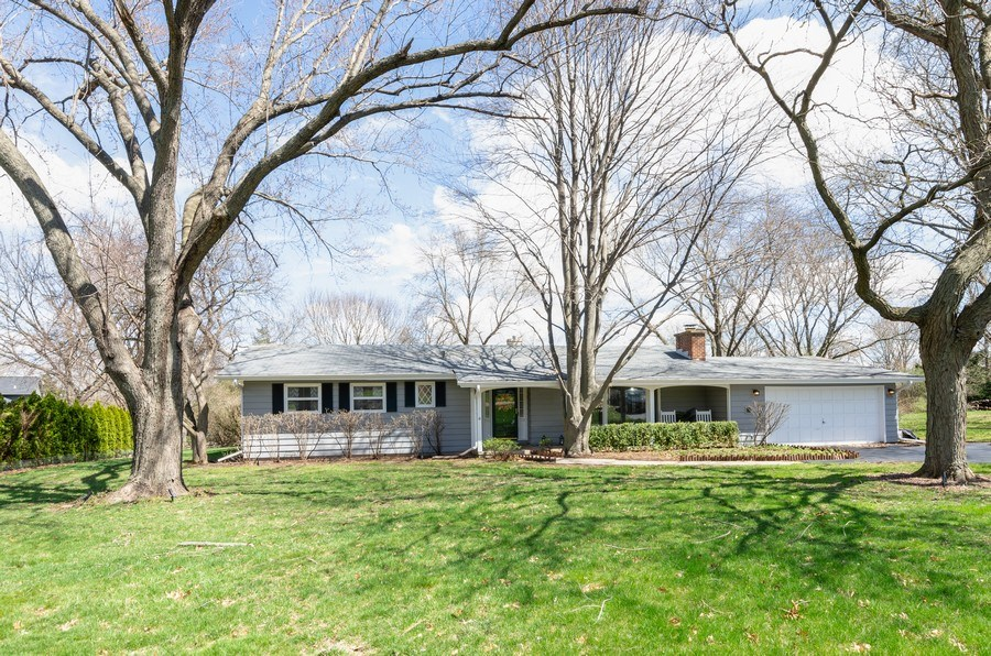Real Estate Photography - 826 Hemlock Drive, Sleepy Hollow, IL, 60118 - Front View