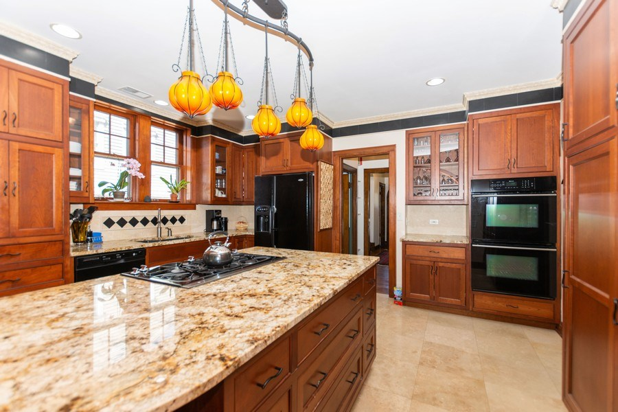 Real Estate Photography - 344 S. Edgewood Avenue, La Grange, IL, 60525 - Kitchen