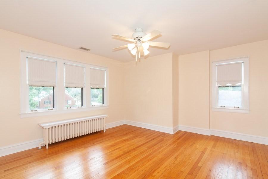 Real Estate Photography - 344 S. Edgewood Avenue, La Grange, IL, 60525 - Bedroom