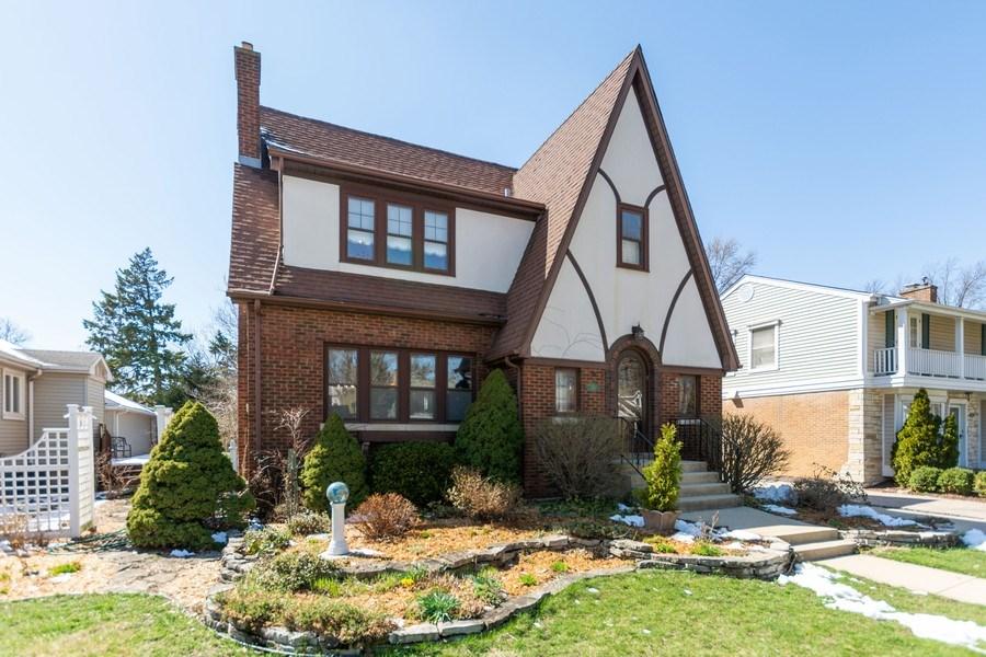 Real Estate Photography - 344 S. Edgewood Avenue, La Grange, IL, 60525 - Front View