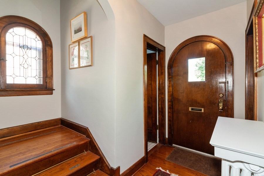 Real Estate Photography - 344 S. Edgewood Avenue, La Grange, IL, 60525 - Foyer