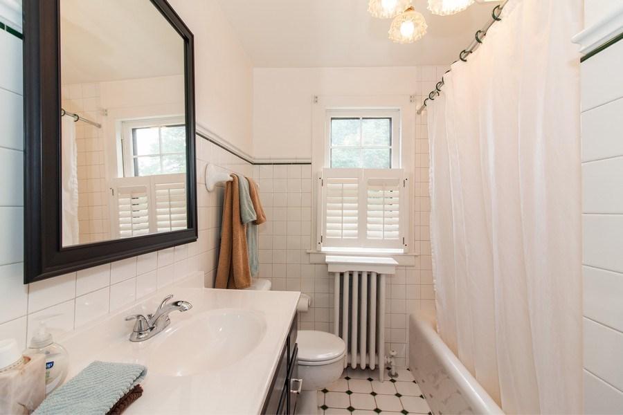 Real Estate Photography - 344 S. Edgewood Avenue, La Grange, IL, 60525 - Bathroom