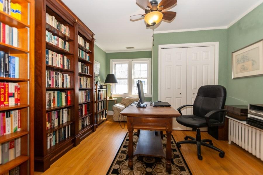 Real Estate Photography - 344 S. Edgewood Avenue, La Grange, IL, 60525 - Office