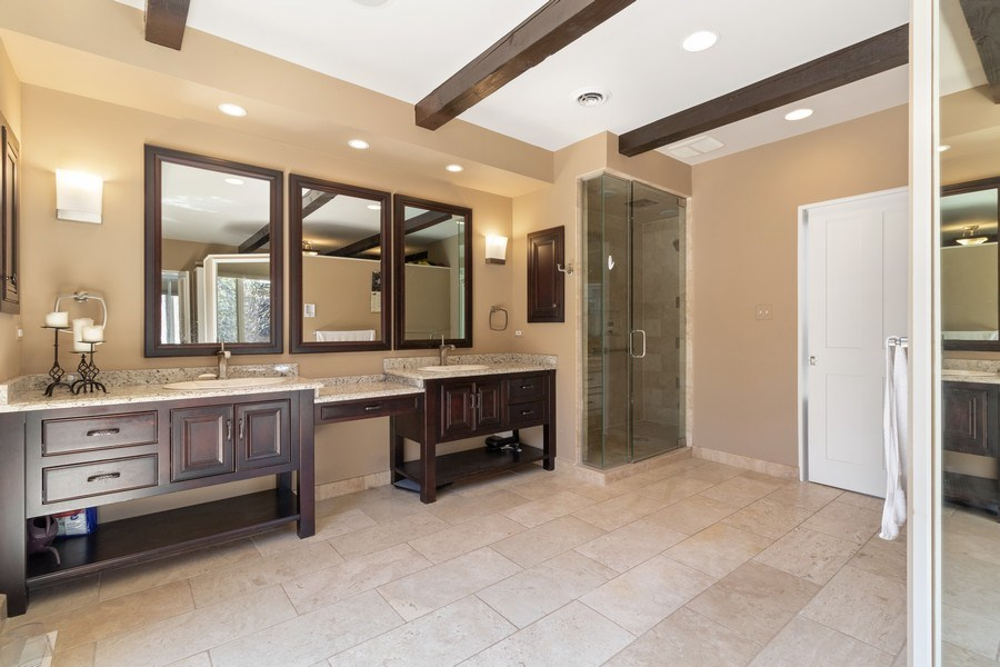 Real Estate Photography - 1911 Hanover Lane, Flossmoor, IL, 60422 - Master Bathroom