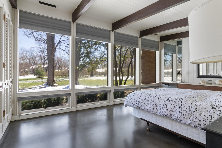 Real Estate Photography - 1911 Hanover Lane, Flossmoor, IL, 60422 - Bedroom