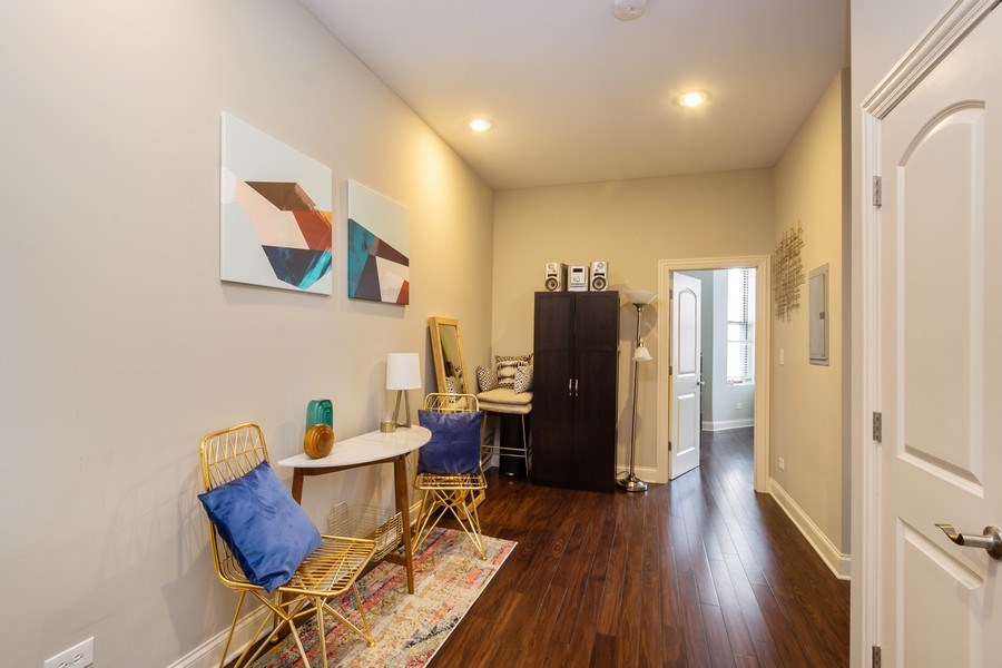 Real Estate Photography - 1312 N. Claremont Avenue, Chicago, IL, 60622 - Hallway
