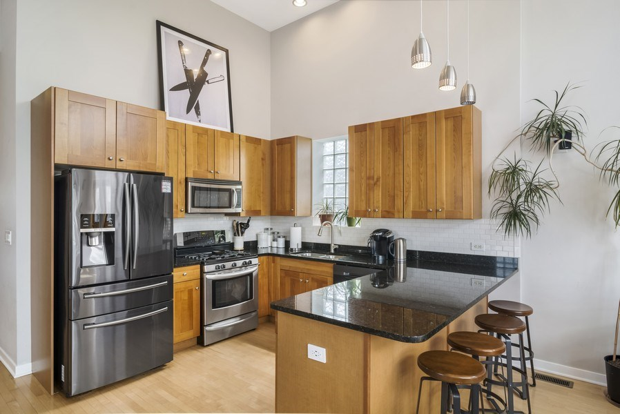 Real Estate Photography - 2125 N. DAMEN Avenue, Unit 4, Chicago, IL, 60647 - Kitchen