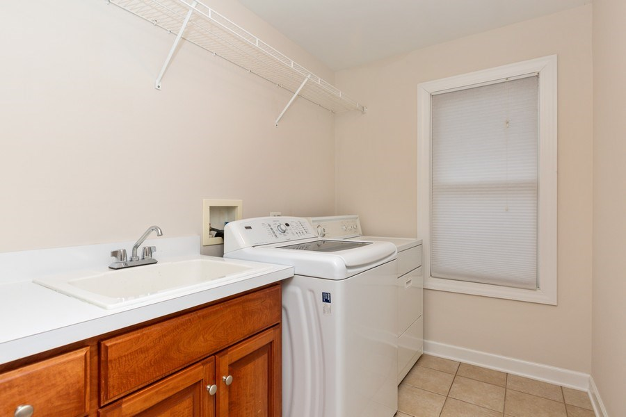 Real Estate Photography - 1711 Stone Ridge Lane, Algonquin, IL, 60102 - 2nd floor Laundry Room