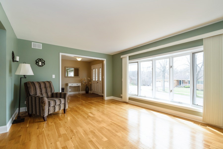 Real Estate Photography - 6022 andres Avenue, Tinley Park, IL, 60477 - Living Room