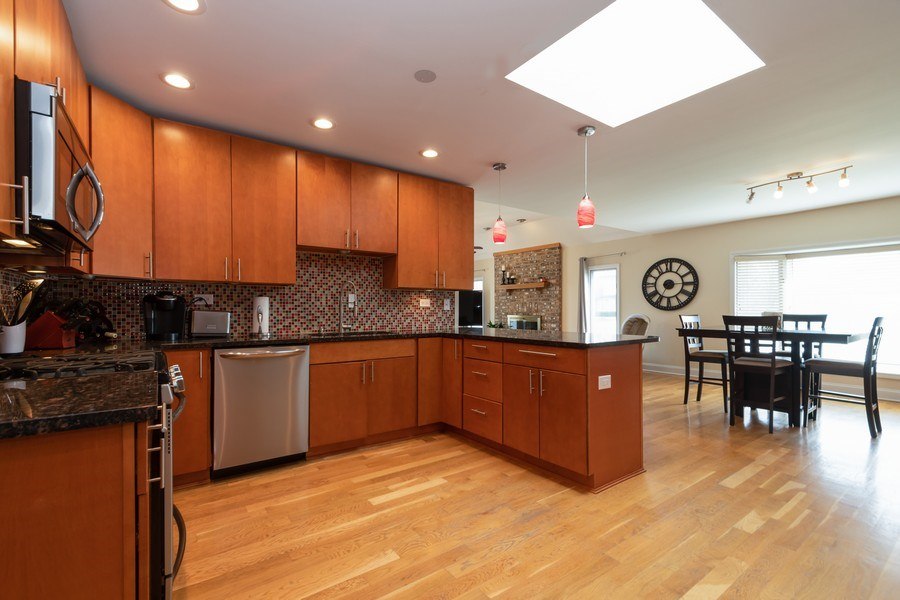 Real Estate Photography - 6022 andres Avenue, Tinley Park, IL, 60477 - Kitchen