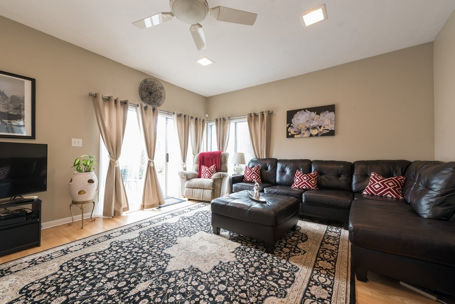 Real Estate Photography - 529 Kin Court, Wilmette, IL, 60091 - Family Room