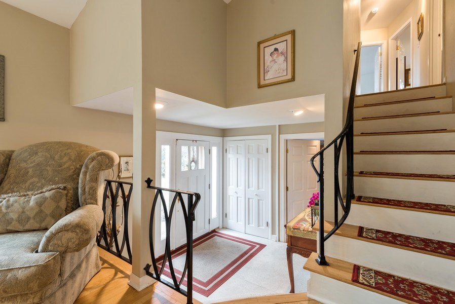 Real Estate Photography - 529 Kin Court, Wilmette, IL, 60091 - Entryway