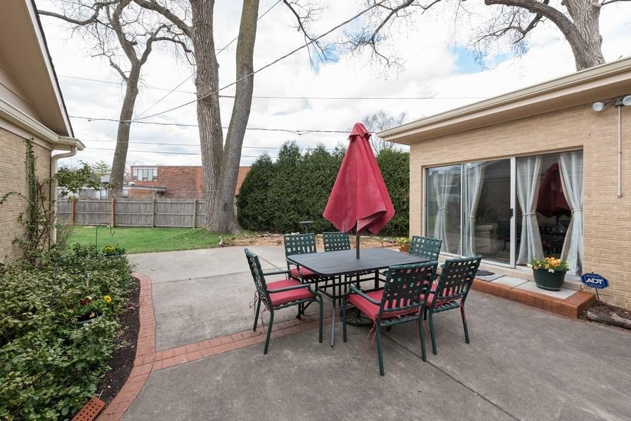 Real Estate Photography - 529 Kin Court, Wilmette, IL, 60091 - Patio