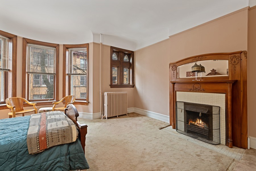 Real Estate Photography - 439 W. Roslyn Place, Chicago, IL, 60614 - Bedroom
