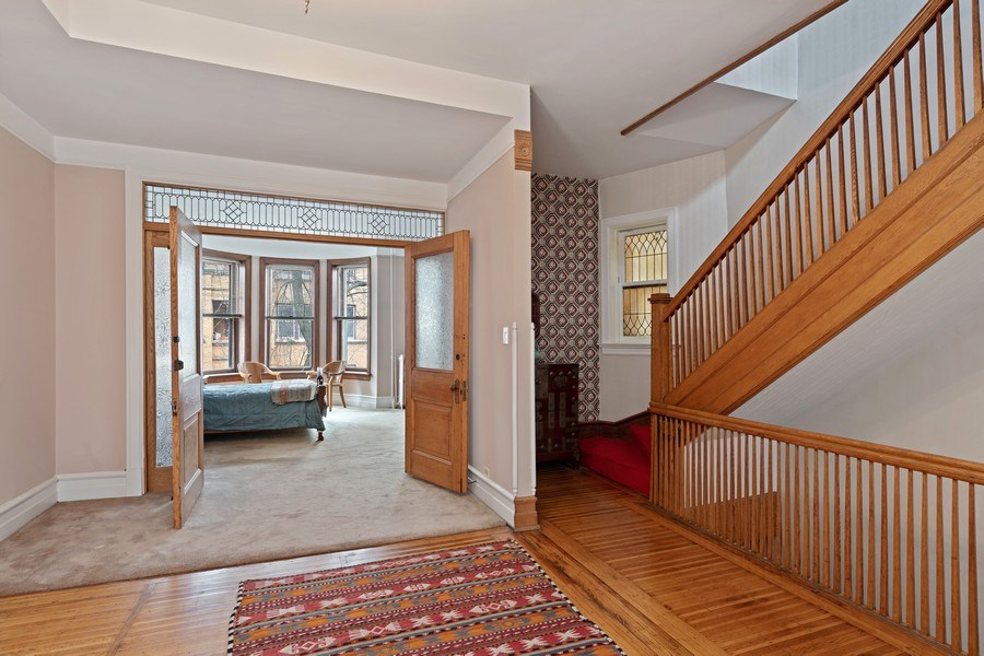 Real Estate Photography - 439 W. Roslyn Place, Chicago, IL, 60614 - 2nd Floor
