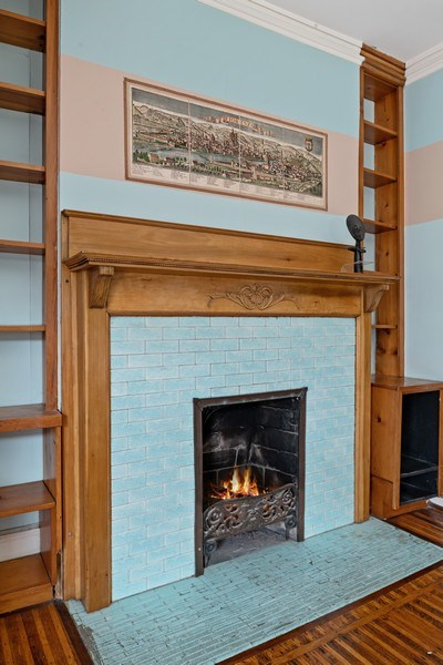 Real Estate Photography - 439 W. Roslyn Place, Chicago, IL, 60614 - Bedroom Fireplace
