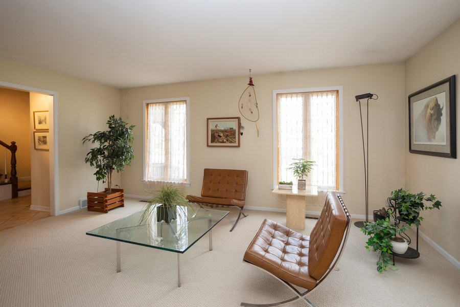 Real Estate Photography - 115 N. HARVARD Avenue, Arlington Heights, IL, 60005 - Living Room