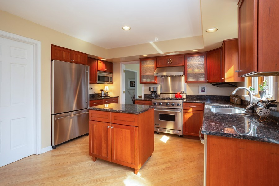 Real Estate Photography - 115 N. HARVARD Avenue, Arlington Heights, IL, 60005 - Kitchen