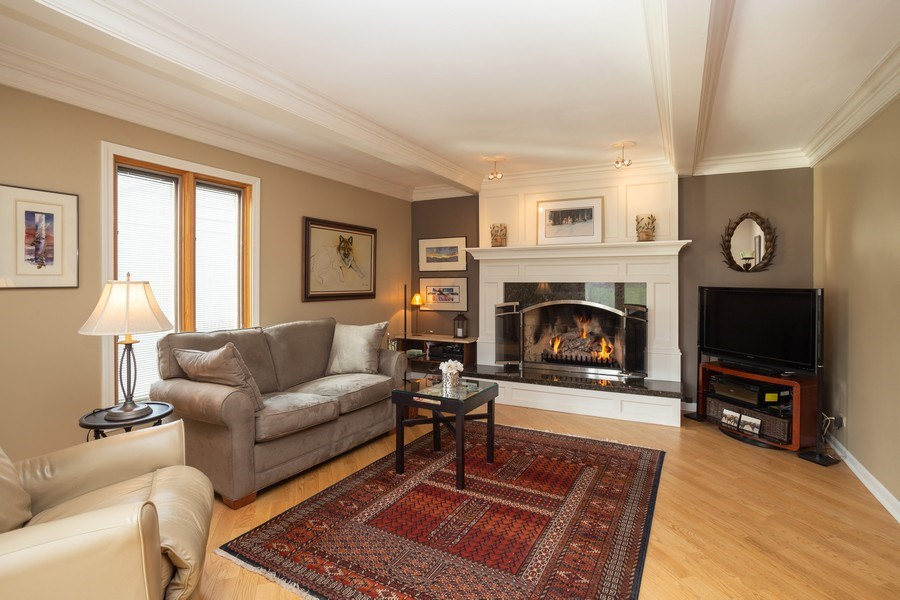 Real Estate Photography - 115 N. HARVARD Avenue, Arlington Heights, IL, 60005 - Family Room