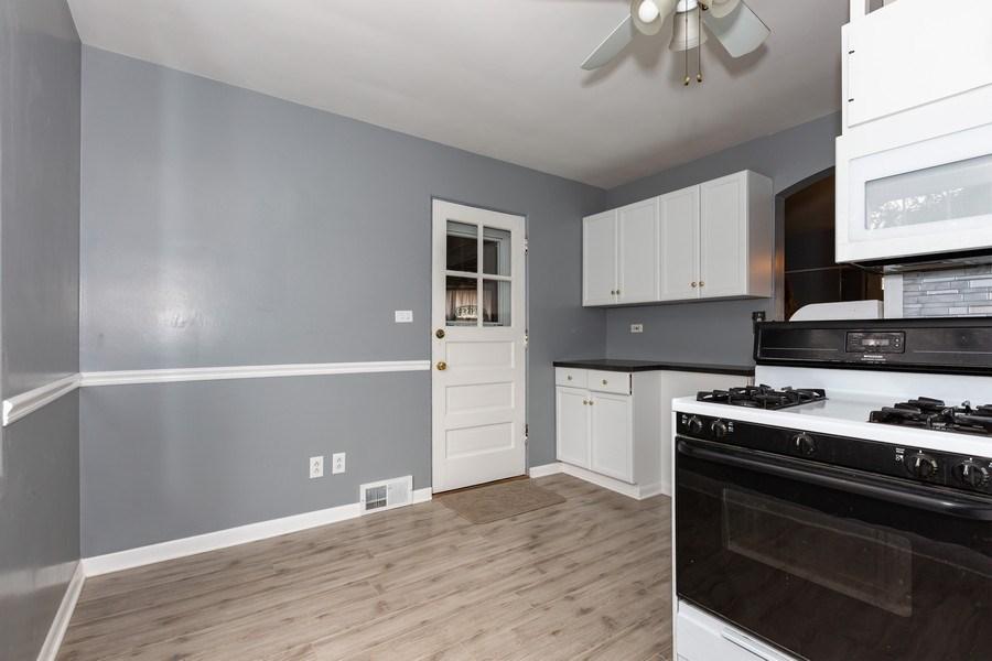 Real Estate Photography - 40 E. Richmond Street, Westmont, IL, 60559 - Kitchen