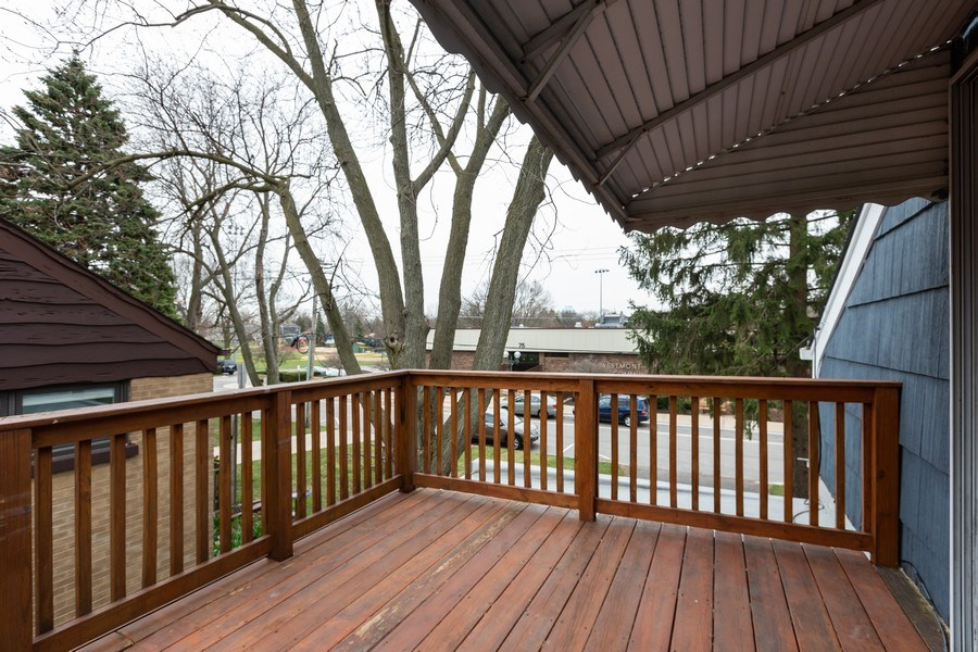 Real Estate Photography - 40 E. Richmond Street, Westmont, IL, 60559 - Balcony