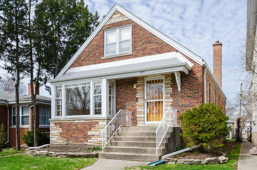 Real Estate Photography - 6132 N. Karlov Avenue, Chicago, IL, 60646 - Front View