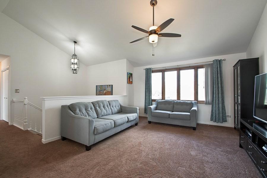 Real Estate Photography - 15332 Paddock Lane, Homer Glen, IL, 60491 - Living Room