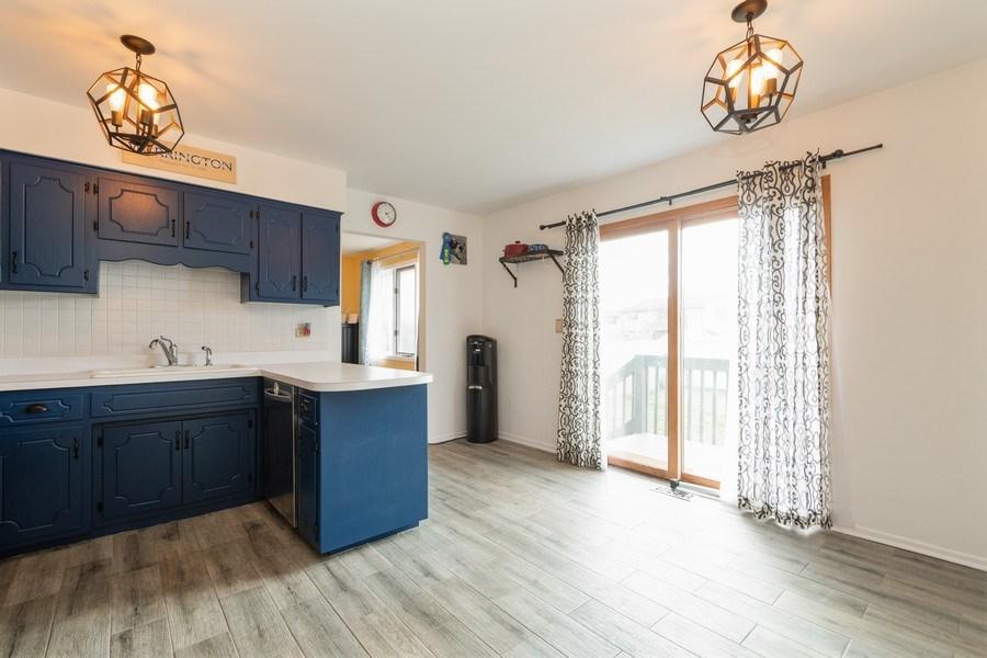 Real Estate Photography - 15332 Paddock Lane, Homer Glen, IL, 60491 - Kitchen / Breakfast Room