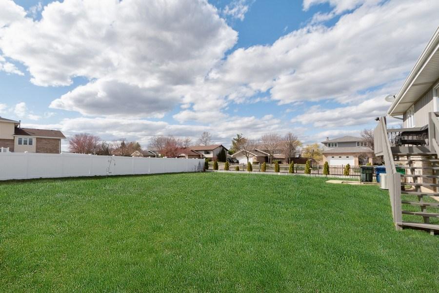 Real Estate Photography - 15332 Paddock Lane, Homer Glen, IL, 60491 - Back Yard