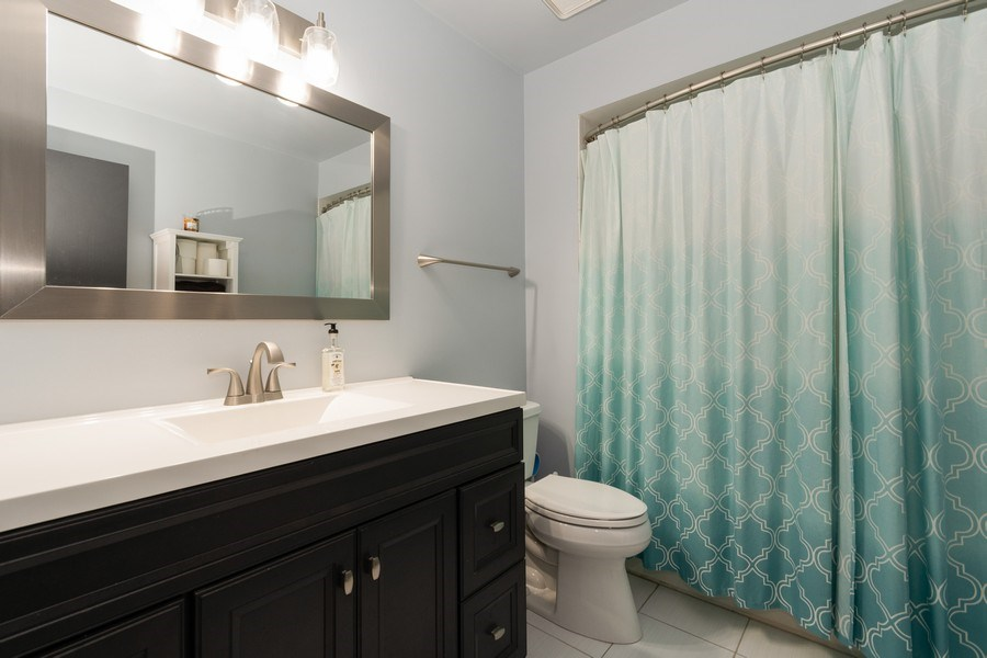 Real Estate Photography - 15332 Paddock Lane, Homer Glen, IL, 60491 - Bathroom