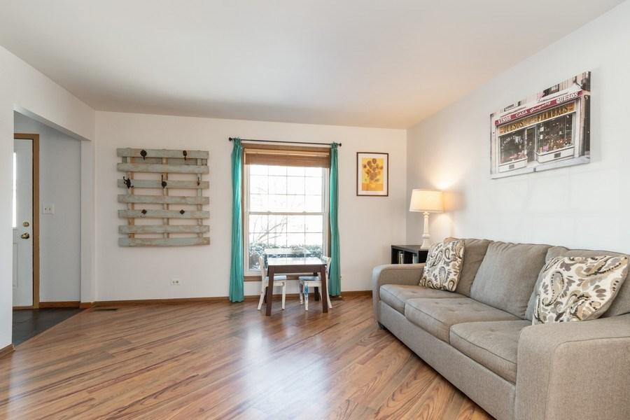 Real Estate Photography - 2730 Leyland Lane, Aurora, IL, 60504 - Living Room