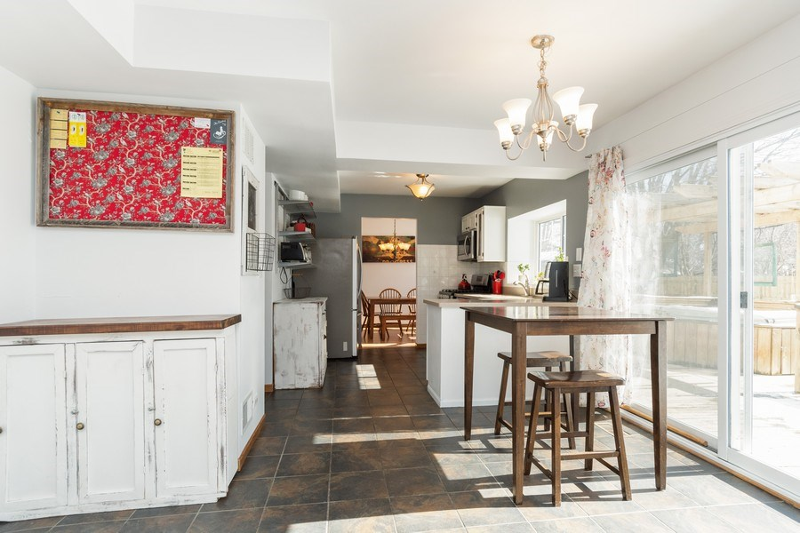 Real Estate Photography - 2730 Leyland Lane, Aurora, IL, 60504 - Kitchen / Breakfast Room