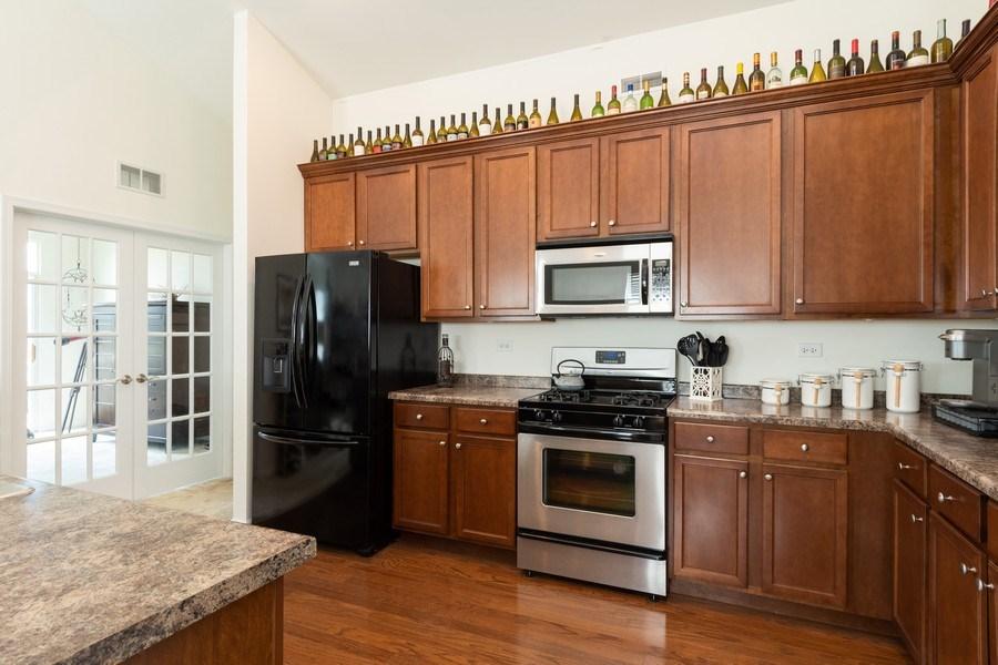Real Estate Photography - 1132 FOXRIDGE Lane, Aurora, IL, 60502 - Kitchen