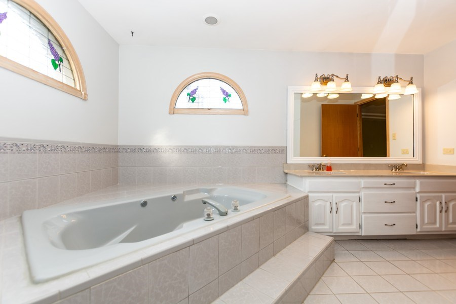 Real Estate Photography - 17312 Valley View Drive, Tinley Park, IL, 60477 - Master Bathroom