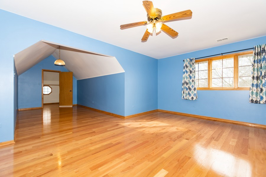 Real Estate Photography - 17312 Valley View Drive, Tinley Park, IL, 60477 - 2nd Bedroom