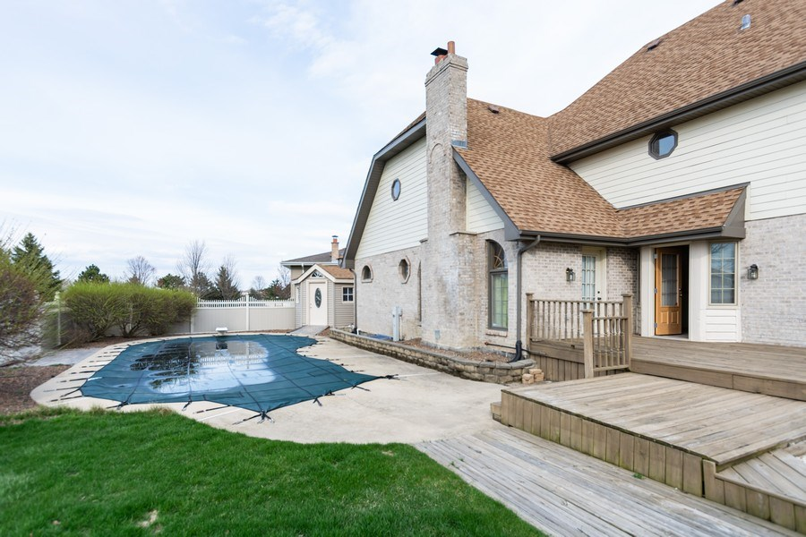 Real Estate Photography - 17312 Valley View Drive, Tinley Park, IL, 60477 - Pool