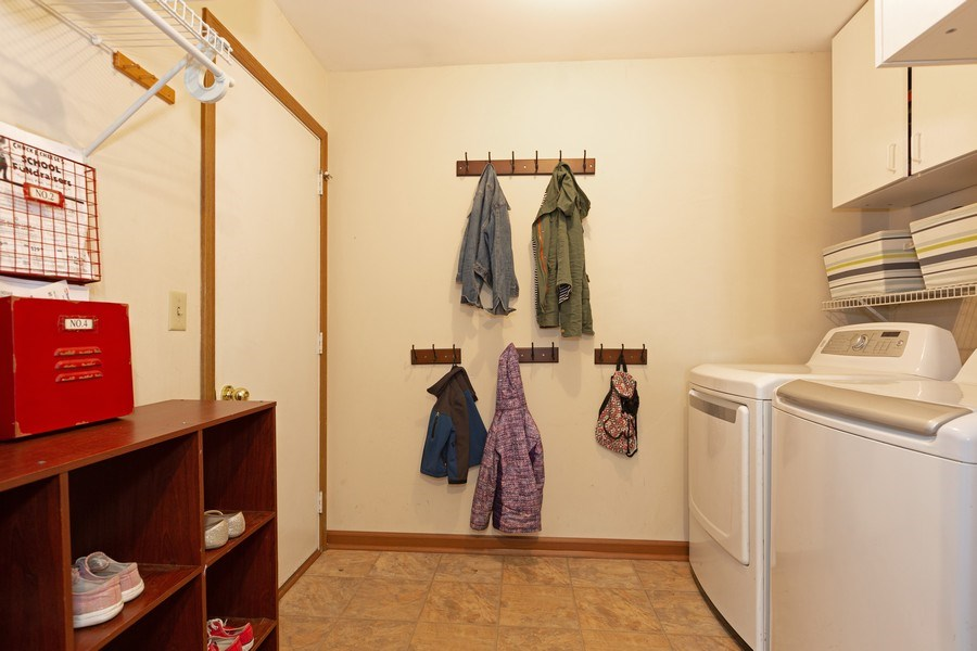 Real Estate Photography - 2805 Diane Drive, Aurora, IL, 60504 - Laundry Room