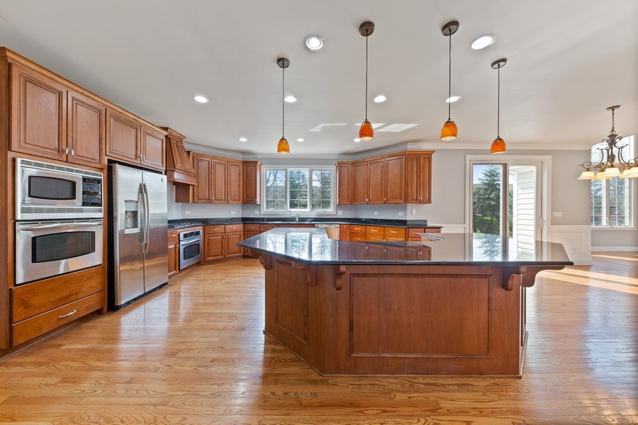 Real Estate Photography - 6816 Quincy, Willowbrook, IL, 60527 - Kitchen